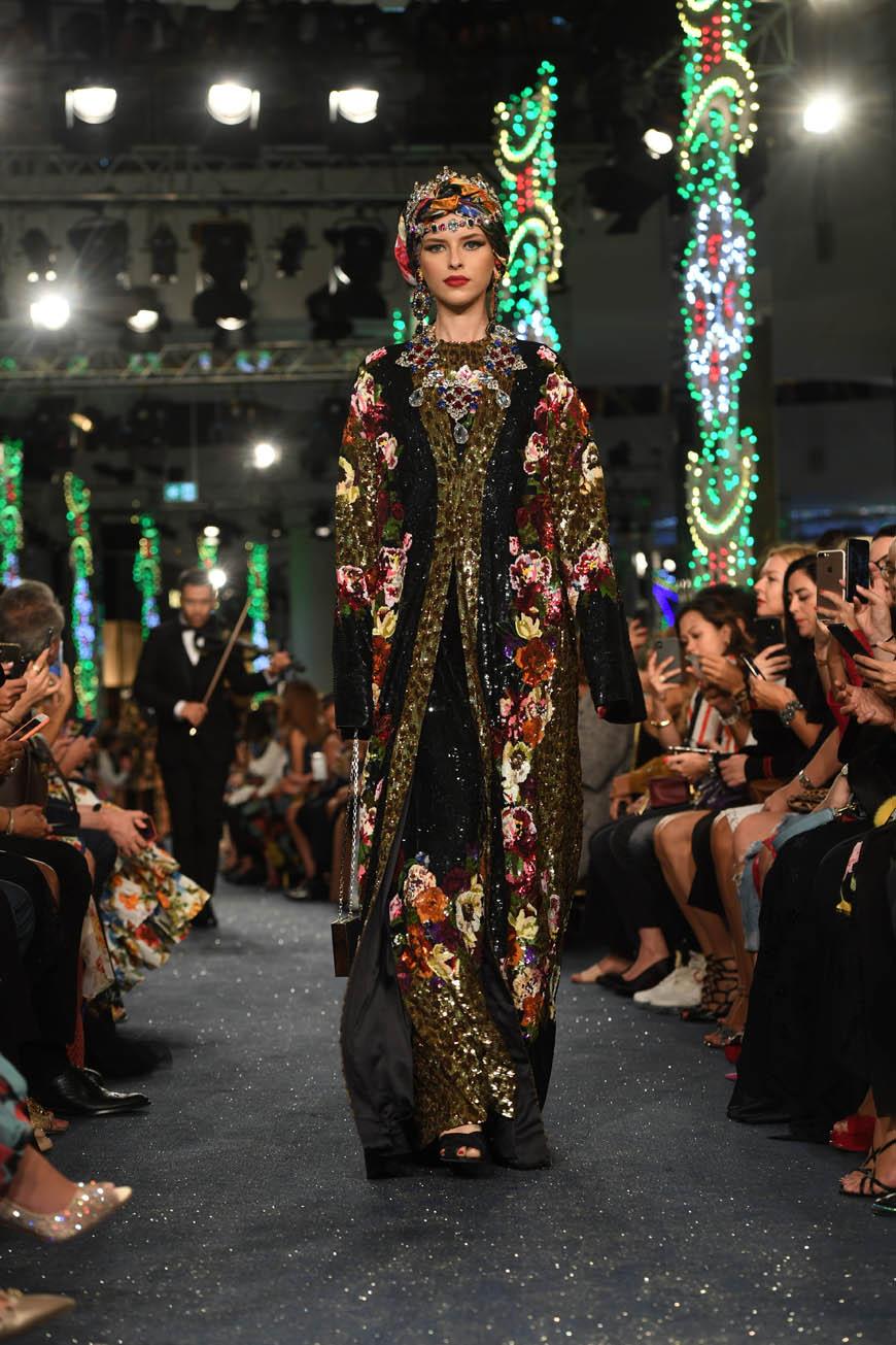 Dolce Gabbana, kolossal a Dubai - MFFashion.com f83ac1fd31