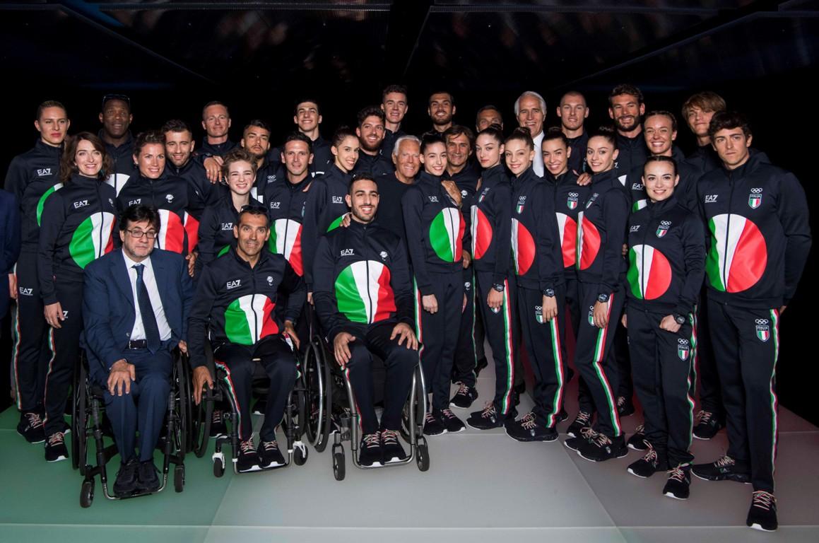 Santuario molestia Ideale  Giorgio Armani mette la sua firma alle Olimpiadi di Tokyo 2020 -  MFFashion.com